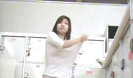 取調室の赤毛の犯罪者はそりを吸う 女の子 の ため の 無料 h 動画